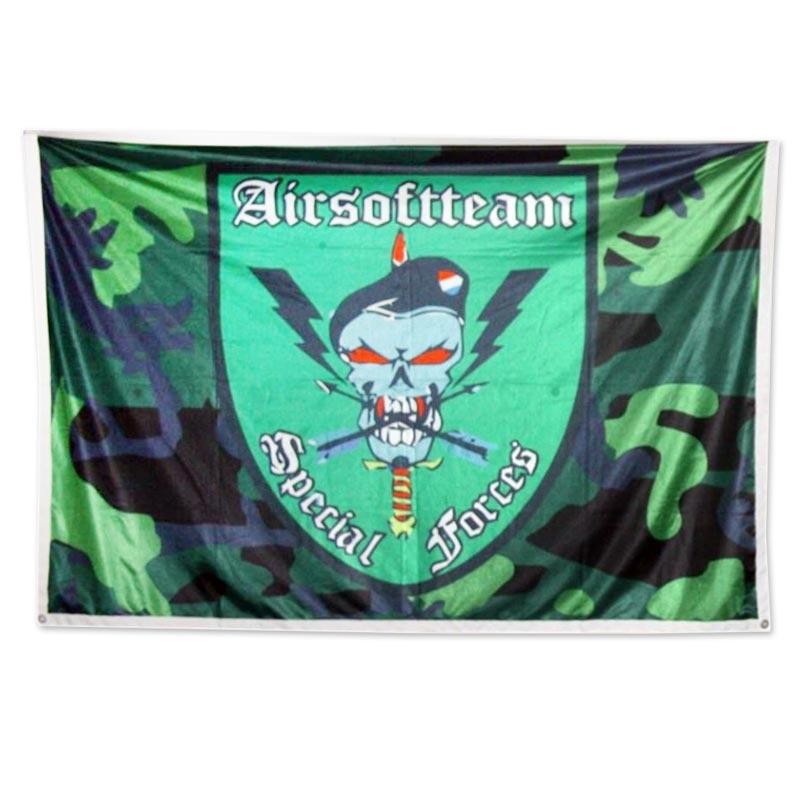 Vlaggen met eigen logo